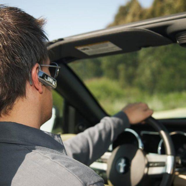 Conduire et parler au téléphone